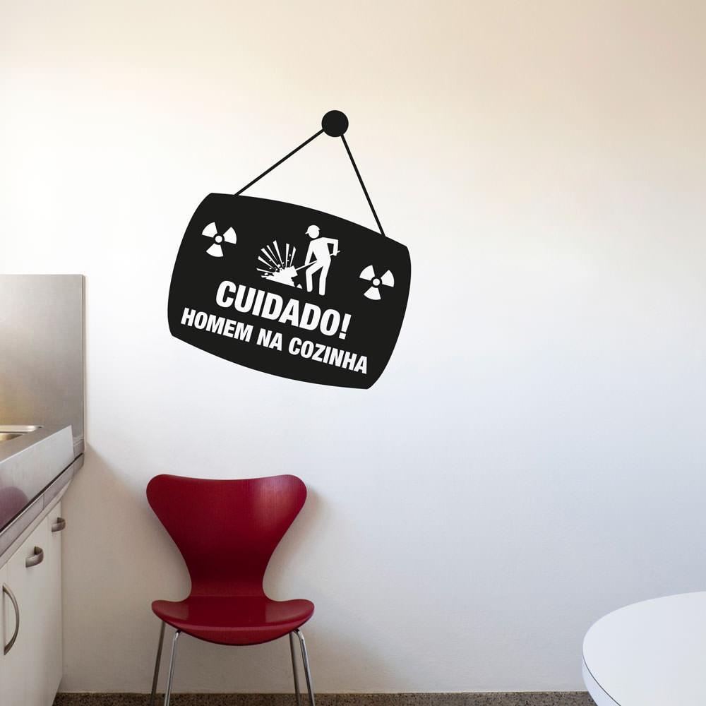 Adesivo de Parede Homem na Cozinha Modelo Exclusivo
