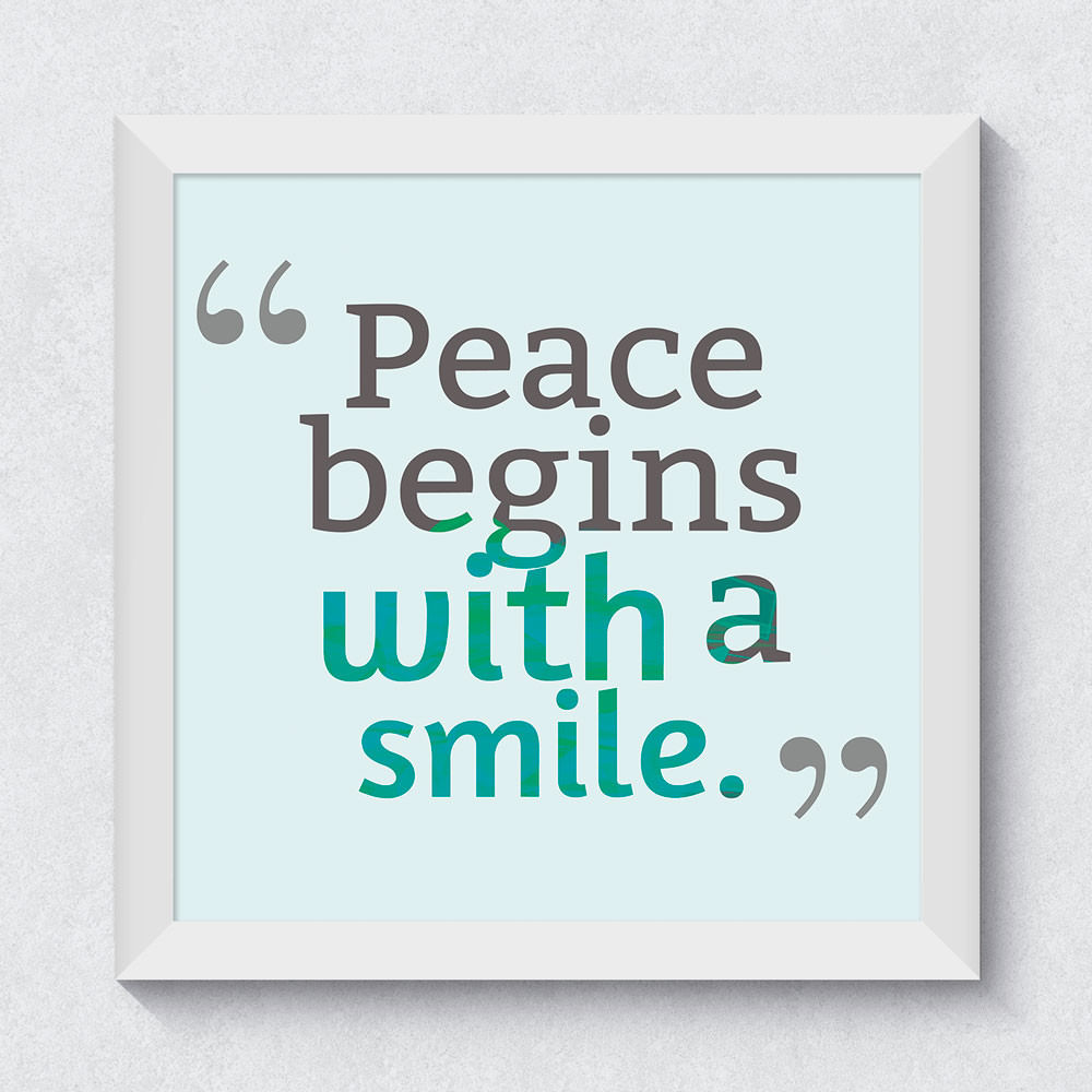 Quadrinho Decorativo Peace Begins With a Smile