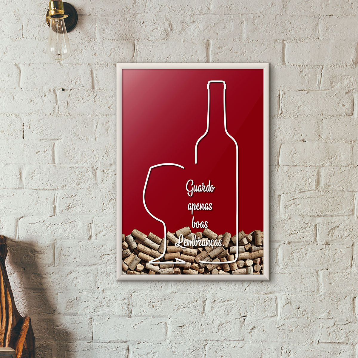 """Quadro Porta Rolhas de Vinho - """"Guardo Apenas Boas Lembranças"""" (Moldura Branca) - Fundo Vinho"""