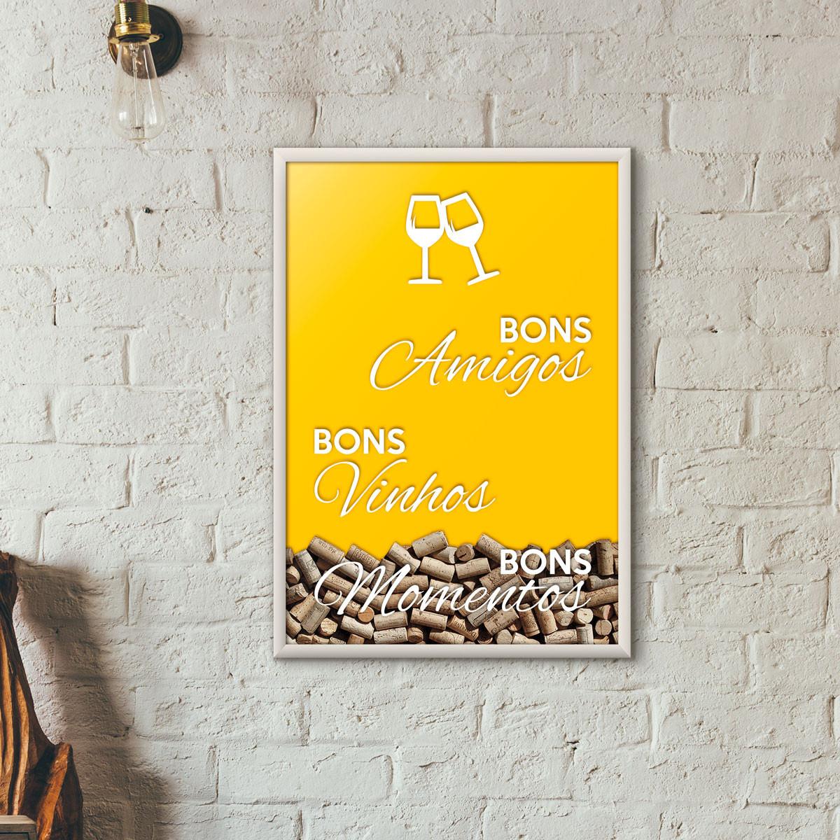 """Quadro Porta Rolhas de Vinho - """"Bons Amigos Bons Vinhos Bons Momentos"""" Amarelo"""