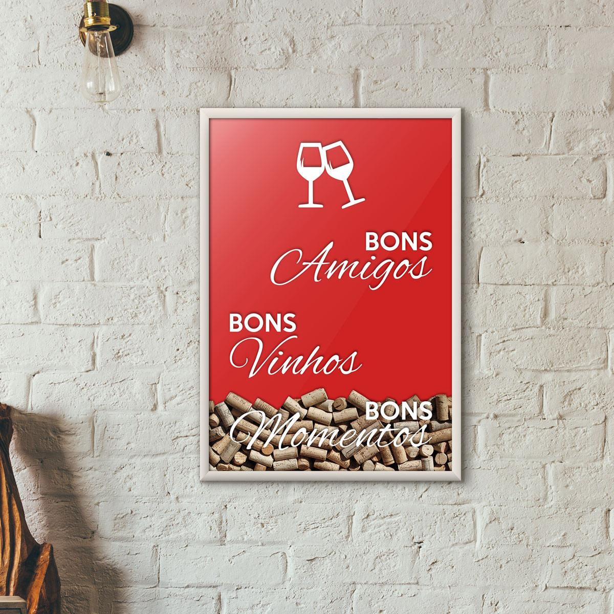 """Quadro Porta Rolhas de Vinho - """"Bons Amigos Bons Vinhos Bons Momentos"""" Vermelho"""