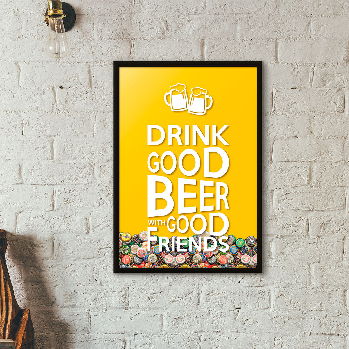 "Quadro Porta Tampinhas de Cerveja - ""Drink Good Beer with Good Friends"" Amarelo"