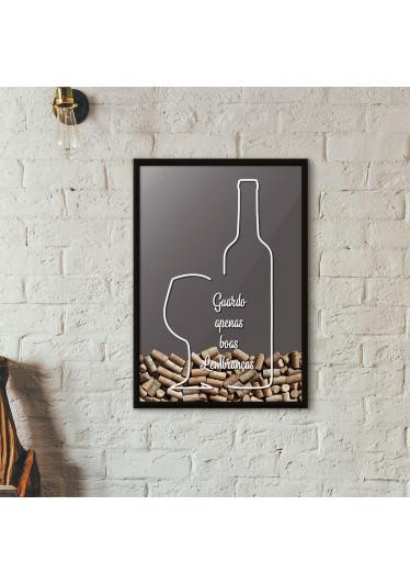 """Quadro Porta Rolhas de Vinho - """"Guardo Apenas Boas Lembranças"""" (Moldura Preta) - Fundo Cinza"""