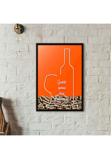 """Quadro Porta Rolhas de Vinho - """"Guardo Apenas Boas Lembranças"""" (Moldura Preta) - Fundo Laranja"""