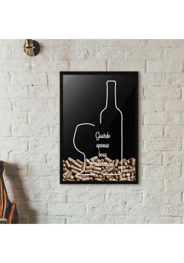 """Quadro Porta Rolhas de Vinho - """"Guardo Apenas Boas Lembranças"""" (Moldura Preta) - Fundo Preto"""