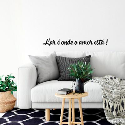 "Frase Decorativa 3D ""Lar é onde o amor está"""