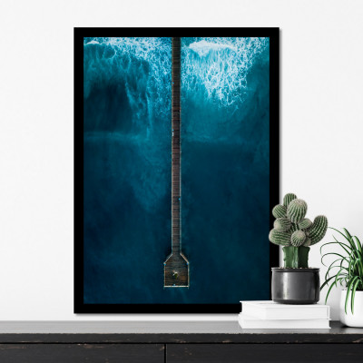 Quadro Decorativo com Moldura e Imagem de Onda Beira da Praia
