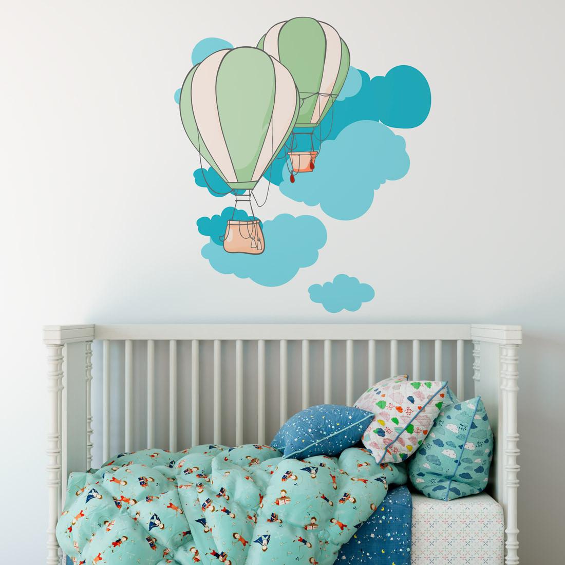 Adesivo de Parede Infantil Balões Verde e Nuvens