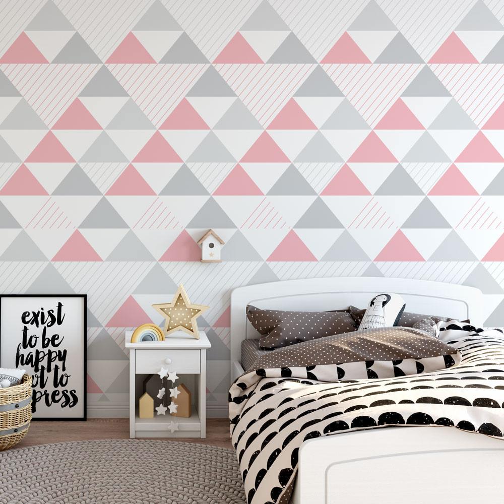 Papel de Parede Infantil Triângulos (Tons de Cinza e Rosa - Padrão Grande)