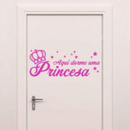 """Adesivo de Parede """"Aqui Dorme uma Princesa"""" - 66x28cm (LxA) - Pink"""